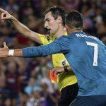 Trọng tài từng đuổi Ronaldo được thăng cấp làm trọng tài FIFA