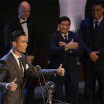 Ronaldo giành giải Cầu thủ hay nhất FIFA lần thứ hai liên tiếp