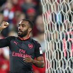 Tân binh Lacazette lập công trong trận ra mắt Arsenal
