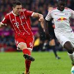 Bayern hạ Leipzig, lên đỉnh bảng Bundesliga