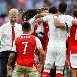 Wenger đồng ý ở lại Arsenal thêm hai năm