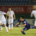 Bình Dương rơi xuống nhóm 'cầm đèn đỏ' ở V-League
