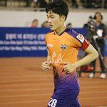 Xuân Trường lần đầu ra sân K-League trong màu áo Gangwon
