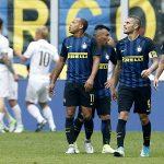 Inter đánh rơi chiến thắng trong trận derby Milan