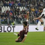 Higuain lập công phút bù giờ, Juventus hòa trận derby thành Turin