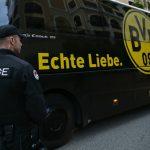 Dortmund mất tinh thần khi xe buýt bị cảnh sát bao vây trước giờ thi đấu