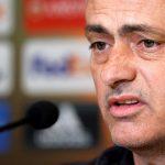 Mourinho: 'Tôi sẽ bị giết nếu dùng đội hình hai đấu Chelsea'
