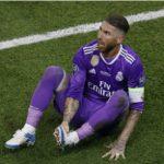 Ramos diễn kịch: Vết đen trong chiến thắng của Real
