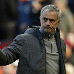 Mourinho để ngỏ khả năng buông Ngoại hạng Anh