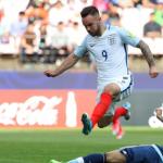 HLV U20 Anh khó chịu khi bị nói thắng may mắn U20 Argentina