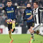Đội trưởng Inter lĩnh án vì đá bóng vào trọng tài ở derby Italy