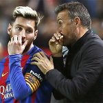 HLV Enrique: 'Cầu thủ Barca tự quyết định việc không dự lễ trao giải của FIFA'