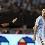 Chủ tịch LĐBĐ Argentina: 'Messi chịu tội thay cho chúng tôi'