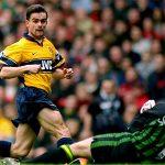Arsenal mời Overmars tham gia cuộc cải tổ trị giá 250 triệu đôla