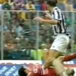 Zidane từng bị đuổi khi đối đầu Allegri thời khoác áo Juventus