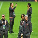 Mourinho hứa mang Cup về Manchester sau vụ khủng bố