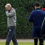 Oliver Kahn: 'Cầu thủ Arsenal không còn coi trọng Wenger'