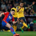 Cầu thủ Arsenal xin lỗi CĐV nhà sau thảm bại