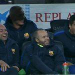 Đồng đội khoái chí khi Mascherano lần đầu ghi bàn cho Barca sau 319 trận