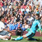 Martial sút tung lưới Burnley, Man Utd mất 10,8 triệu đôla