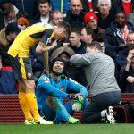 Cech nghỉ bốn tuần, Arsenal thêm khó trong cuộc đua vào Top 4