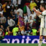 Ronaldo nổi giận chất vấn đồng đội trong phòng thay đồ