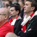 CĐV Arsenal đổ xô bán lại vé trận lượt về với Bayern