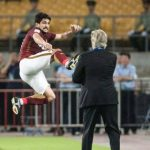 Học trò tung cú đá về phía cựu HLV Real lúc mừng bàn thắng