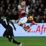 Fabregas: 'Kante không chỉ là một tiền vệ biết tắc bóng'