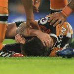 Cầu thủ Hull nứt sọ sau cú va chạm với Gary Cahill