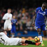 Chelsea trói chân 'cục nợ của Mourinho' thêm bốn năm