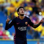 Neymar lập hat-trick, Barca giữ đỉnh bảng trong sức ép từ Real