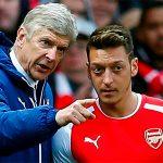Ozil hỏi ngược báo chí về thông tin bị Arsenal bán hè này