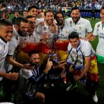 Barca chúc mừng Real vô địch La Liga