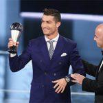 Ronaldo tiếc vì các cầu thủ Barca không dự lễ trao giải FIFA