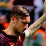 Totti có thể tiếp tục chơi bóng sau trận cuối cùng với Roma