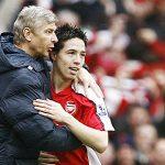 Nasri bảo vệ HLV Wenger, quy trách nhiệm cho cầu thủ Arsenal