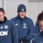 Mourinho cho Schweinsteiger tập trở lại với Man Utd