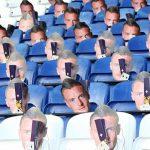 Leicester dùng 30.000 mặt nạ Vardy để phản đối án phạt