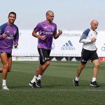 Ronaldo tái xuất trên sân tập Real