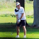 Schweinsteiger thảnh thơi chơi golf trong khi bị Mourinho vứt bỏ