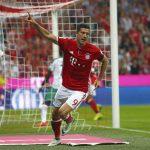Lewandowski lập hat-trick, Bayern ra quân tưng bừng ở Bundesliga