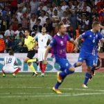 Anh về nước sau trận thua ngược Iceland