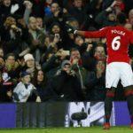 Man Utd ngược dòng thần tốc, Pogba tặng quà cho Ferguson
