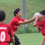 Cựu tuyển thủ Huy Hoàng chơi bóng ném cùng cầu thủ nhí