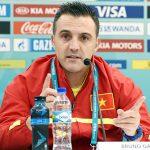 HLV Bruno tặng chiến thắng cho người hâm mộ futsal Việt Nam