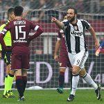 Higuain lập cú đúp, Juventus thắng ngược trận derby Torino