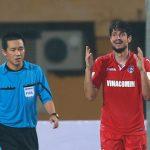 Cầu thủ Quảng Ninh kêu trời vì trọng tài từ chối phạt đền