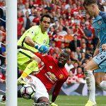 Carragher: 'Pogba chơi bóng như đứa trẻ vô kỷ luật'