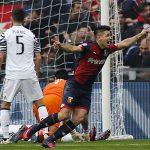 Genoa 3-1 Juventus: Cái tát 'nảy đom đóm' từ con trai HLV Simeone